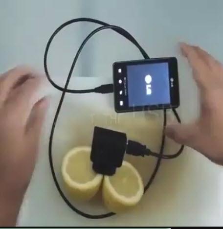 ویدیو / شارژ موبایل به وسیله لیمو ترش!
