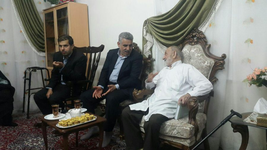 عیادت منتخب مردم شهرستان های رودسر و املش در مجلس از حاج شیخ کاظم نیکخواه رانکوهی