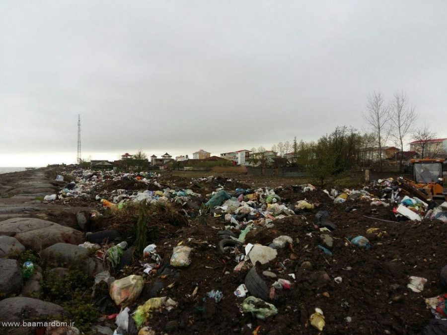 photo 2016 03 31 13 12 32 Copy - ساحل زیبای دریا زباله دانی نیست / گزارش تصویری پراکندگی زباله ها در ساحل کلاچای