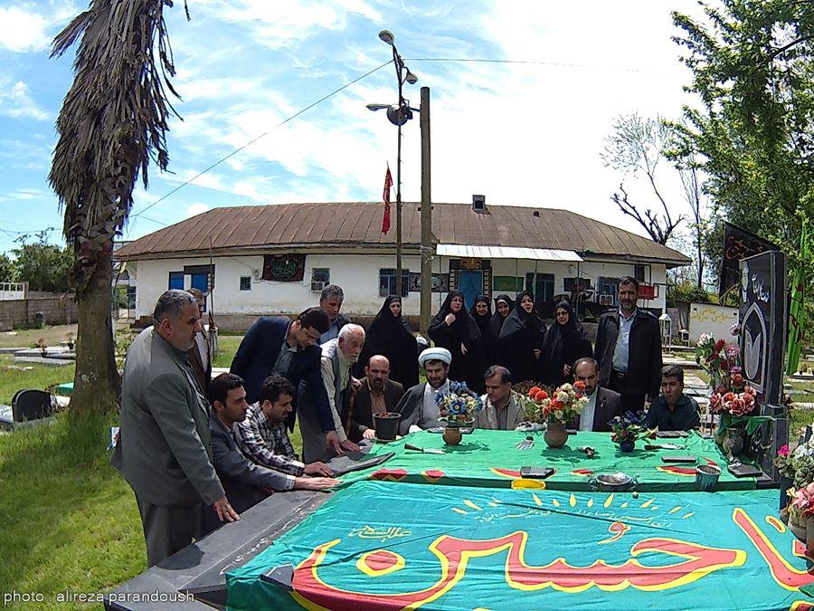 دیدار جمعی از مسئولان دانشگاه آزاد لاهیجان با خانواده های معظم شهدا + تصاویر