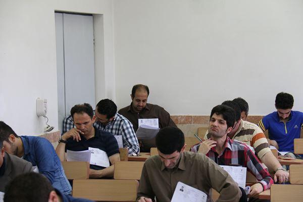 کنکور کارشناسی ارشد سال 95 دانشگاه آزاد در لاهیجان (20)