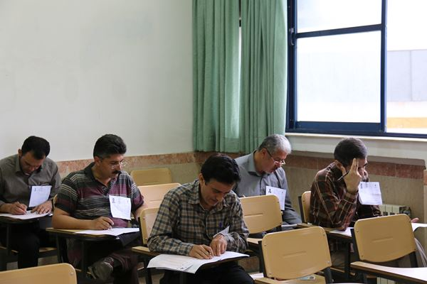کنکور کارشناسی ارشد سال 95 دانشگاه آزاد در لاهیجان (22)