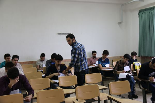 کنکور کارشناسی ارشد سال 95 دانشگاه آزاد در لاهیجان (26)