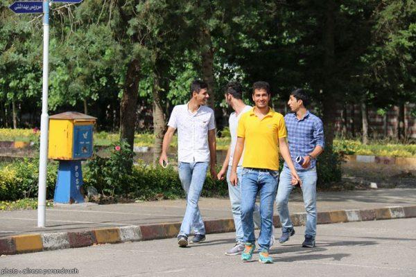 امتحانات دانشگاه آزاد لاهیجان  (1)