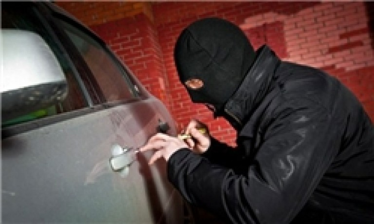 کشف خودروی سرقتی رانا توسط عوامل پلیس راه