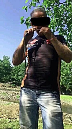 مرد مارخور در رشت دستگیر و دادگاهی شد! +عکس