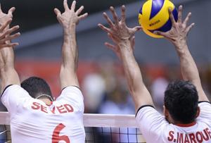 ایران ۳ – صربستان ۲ / تعظیم صرب ها به والیبال ایران + گزارش تصویری