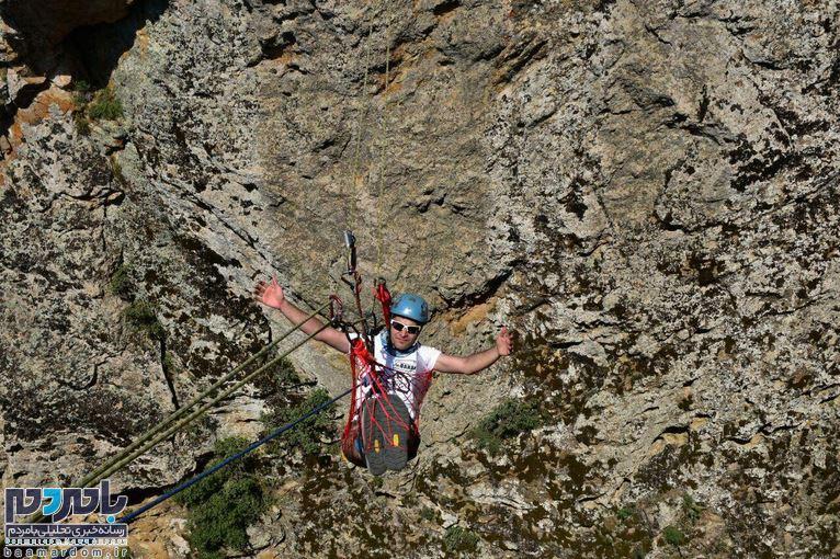 استراحت خاص یک کوهنورد گیلانی در ارتفاع ۱۶۰ فوتی از سطح زمین+ تصاویر