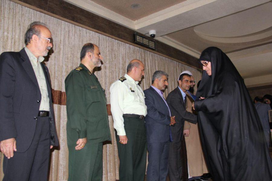 تجلیل از خبرنگاران لاهیجان 6 1 - مراسم تجلیل از خبرنگاران و فعالان عرصه اطلاعرسانی در لاهیجان