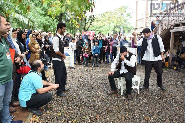 24 نمایش خیابانی در لاهیجان اجرا شد 26 - 24 نمایش خیابانی در لاهیجان اجرا شد/استقبال پرشور مخاطبان از اجرا ها+ تصاویر