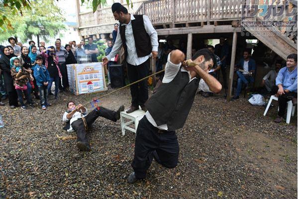 24 نمایش خیابانی در لاهیجان اجرا شد 27 - 24 نمایش خیابانی در لاهیجان اجرا شد/استقبال پرشور مخاطبان از اجرا ها+ تصاویر