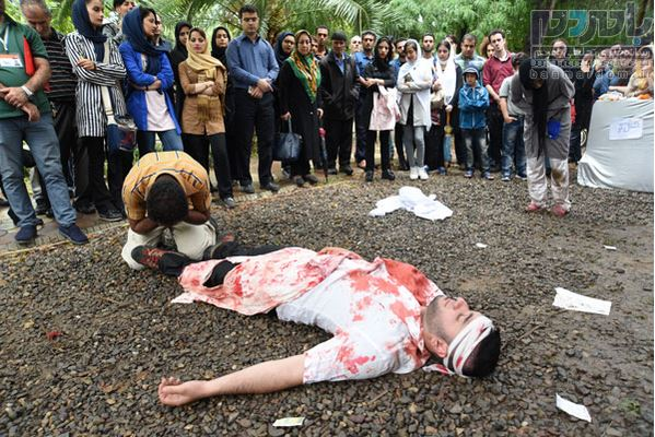 24 نمایش خیابانی در لاهیجان اجرا شد 30 - 24 نمایش خیابانی در لاهیجان اجرا شد/استقبال پرشور مخاطبان از اجرا ها+ تصاویر