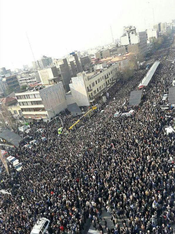 مصدومیت ۶۲۷ نفر بر اثر ازدحام جمعیت در مراسم تشییع آیت الله هاشمی(ره) | ۶۹ نفر به بیمارستان منتقل شدند