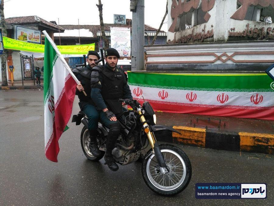 حضور پرسنل نیروی انتظامی لاهیجان از ساعات اولیه یوم الله ۲۲ بهمن + تصاویر