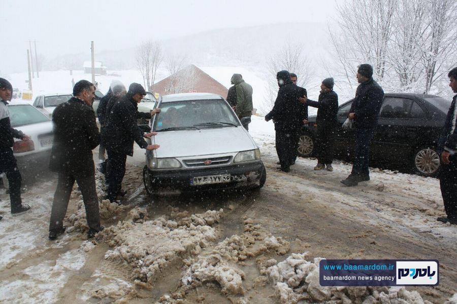 برف بهاری دیلمان 10 - بارش برف بهاری و ترافیک طولانی در جاده سیاهکل به دیلمان   مسافران هشدارهای پلیس راهور را جدی بگیرند