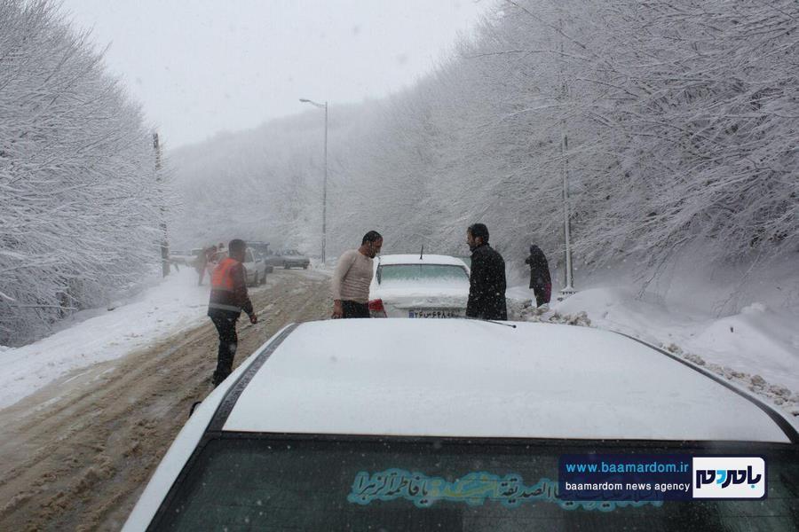 برف بهاری دیلمان 6 - بارش برف بهاری و ترافیک طولانی در جاده سیاهکل به دیلمان   مسافران هشدارهای پلیس راهور را جدی بگیرند