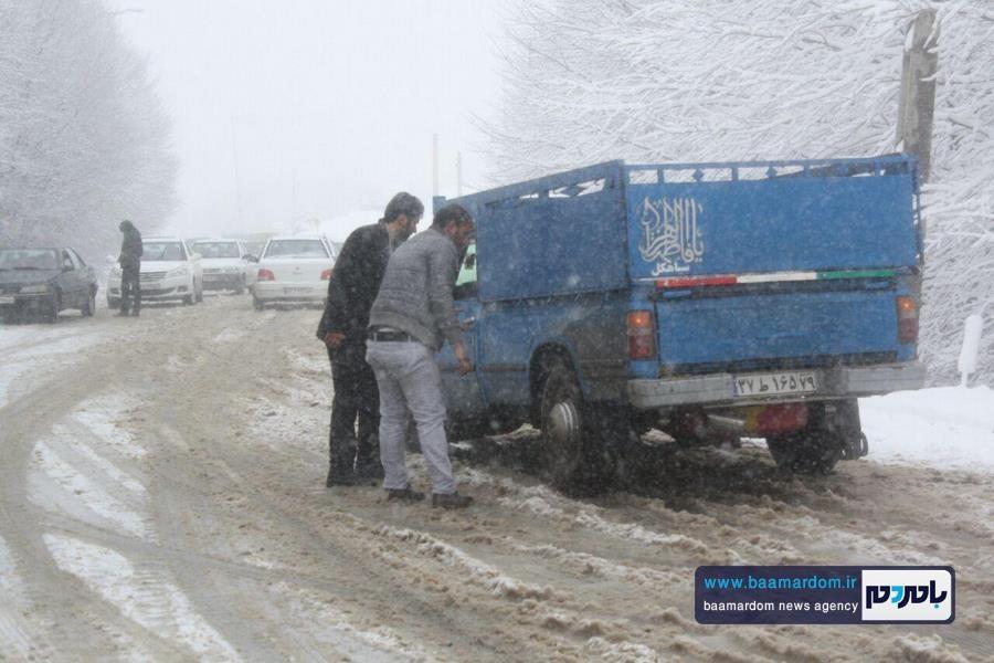 برف بهاری دیلمان 7 - بارش برف بهاری و ترافیک طولانی در جاده سیاهکل به دیلمان   مسافران هشدارهای پلیس راهور را جدی بگیرند