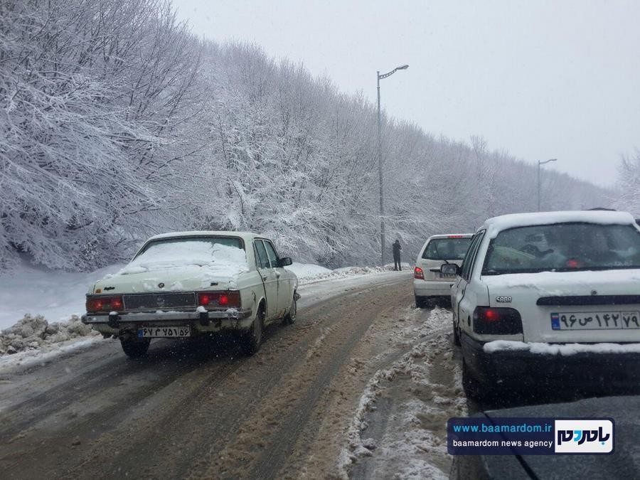 برف بهاری دیلمان 8 - بارش برف بهاری و ترافیک طولانی در جاده سیاهکل به دیلمان   مسافران هشدارهای پلیس راهور را جدی بگیرند