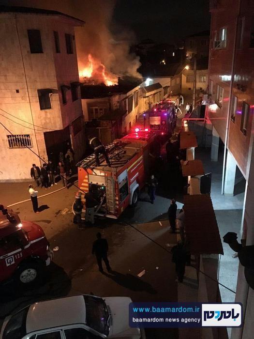 مهار آتش سوزی منزل مسکونی توسط آتش نشانان شهرداری لاهیجان