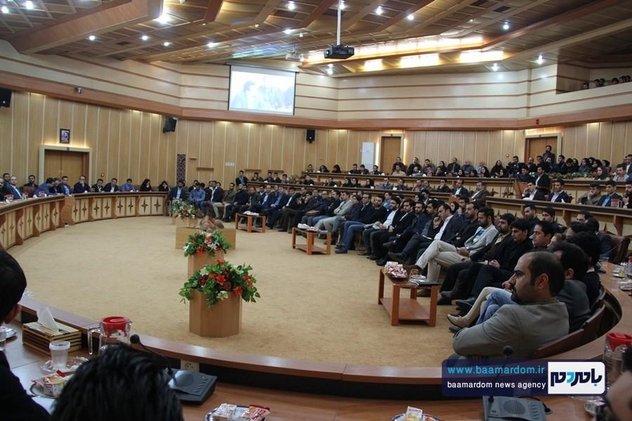 گزارش تصویری نشست هم اندیشی استاندار گیلان و جوانان برگزیده استان