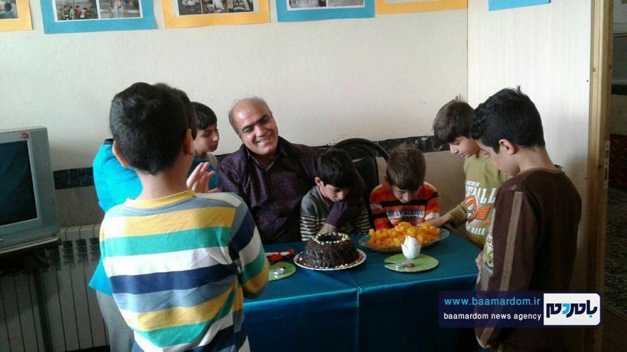 جشن روز پدر در خانه کوچک آمین آستانه اشرفیه برگزار شد | اهدا هدیه ارزشمند کودکان بی سرپرست به مدیر خانه امین + تصاویر
