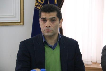 بهارمست - انتقاد سرپرست شهرداری رشت از عادل فردوسی پور