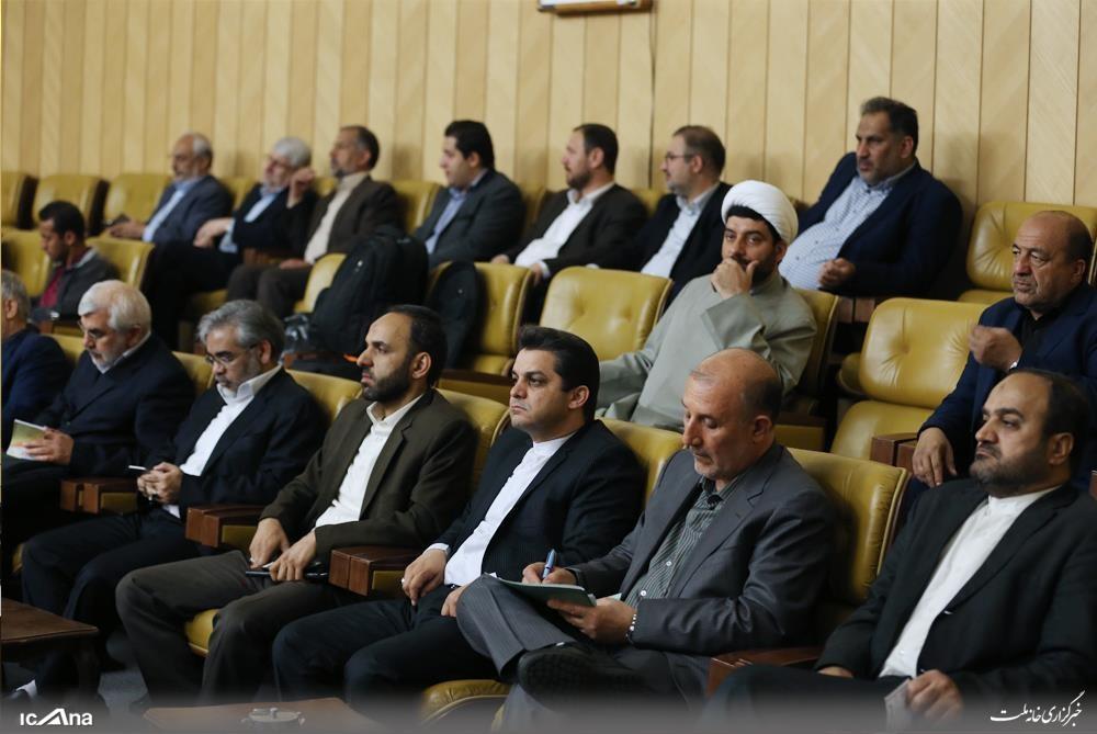 کوچکی نژاد در کنار رئیسی | عباسی، شکری، نیکفر، جمالی و لاهوتی در نشست قالیباف
