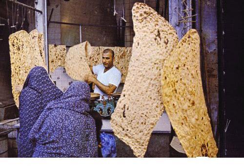 افتادن زن نانوا در دستگاه خمیرگیر در سمنان