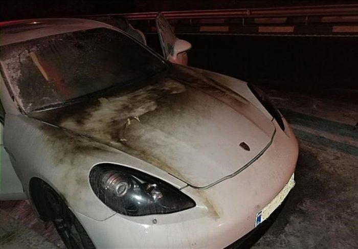 گرفتن پورشه 6 - آتشگرفتن خودروی «پورشه» در بزرگراه شهید همت + تصاویر