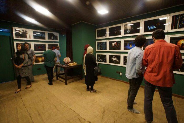 آیین گشایش نمایشگاه گروهی عکس پله سوم 1 - گزارش تصویری آیین گشایش نمایشگاه عکس تئاتر «پله سوم» در لاهیجان