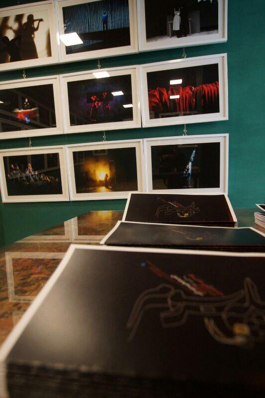 آیین گشایش نمایشگاه گروهی عکس پله سوم 10 - گزارش تصویری آیین گشایش نمایشگاه عکس تئاتر «پله سوم» در لاهیجان