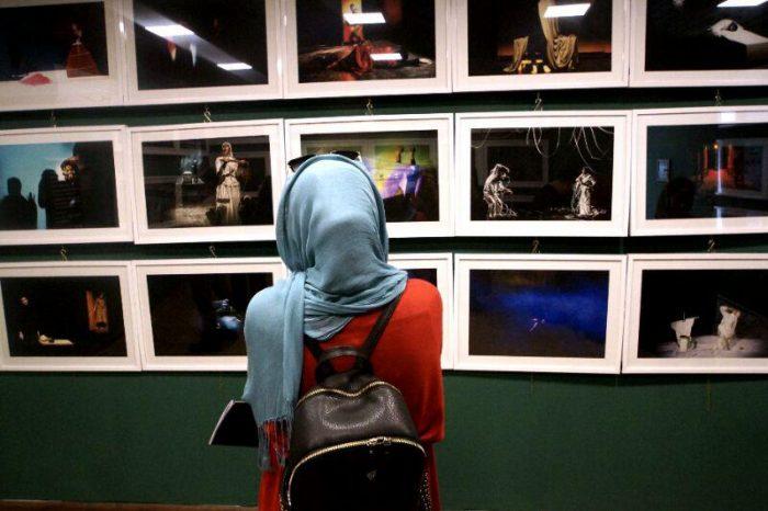 آیین گشایش نمایشگاه گروهی عکس پله سوم 12 - گزارش تصویری آیین گشایش نمایشگاه عکس تئاتر «پله سوم» در لاهیجان