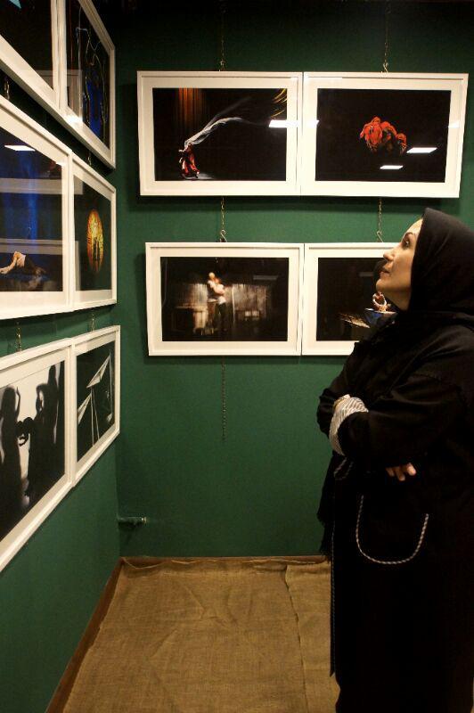 آیین گشایش نمایشگاه گروهی عکس پله سوم 2 - گزارش تصویری آیین گشایش نمایشگاه عکس تئاتر «پله سوم» در لاهیجان