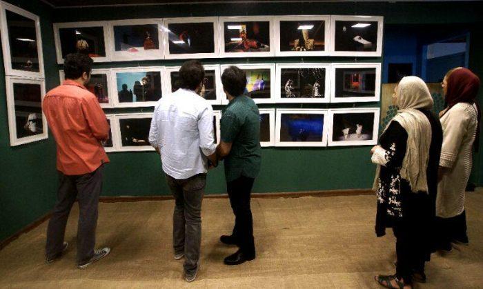 آیین گشایش نمایشگاه گروهی عکس پله سوم 5 - گزارش تصویری آیین گشایش نمایشگاه عکس تئاتر «پله سوم» در لاهیجان
