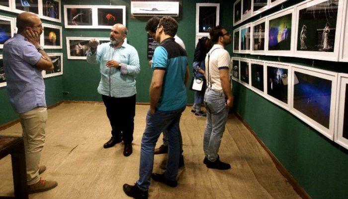 آیین گشایش نمایشگاه گروهی عکس پله سوم 7 - گزارش تصویری آیین گشایش نمایشگاه عکس تئاتر «پله سوم» در لاهیجان