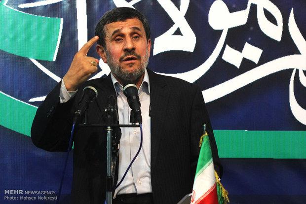 محمود احمدینژاد تهدید به افشاگری کرد!
