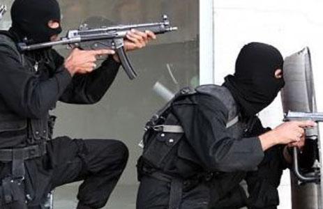 پلیس تیر انداز - تیراندازی و دستگیری دو سارق حرفهای در انزلی