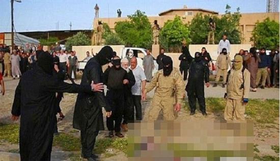 داعشی ها یک اسیر سوری را آبپز کردند!