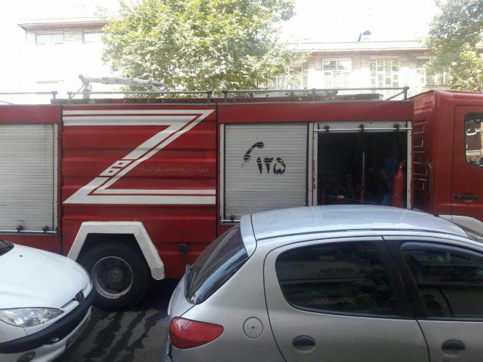 ریزش بنزین در خیابان مطهری رشت آتشنشانان را به محل حادثه کشاند
