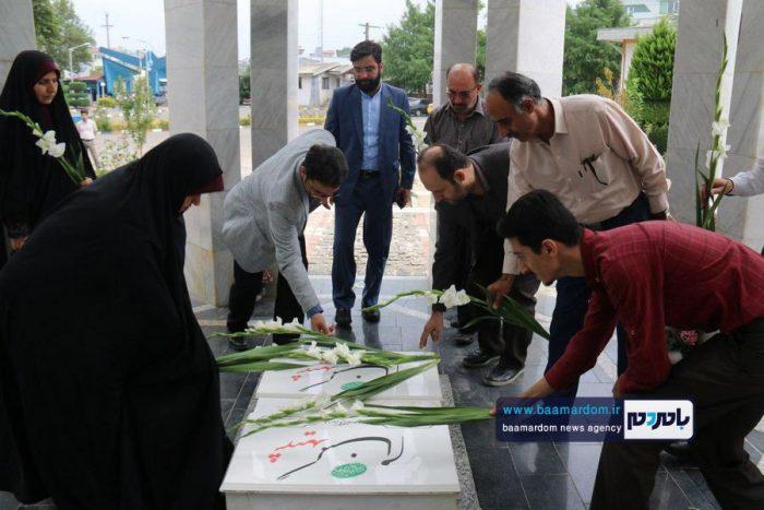 حضور تعاونگران بر سر مزار شهدای گمنام دانشگاه آزاد لاهیجان 2 - ما هر چه داریم از برکت خون شهداست