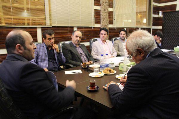مصاحبه شورای شهر لاهیجان با ایمان محمدپور نیک بین نامزد تصدی شهردار لاهیجان 2 600x400 - جزئیات سومین روز از مصاحبه انتخاب شهردار لاهیجان | بازگشت کحالی به لاهیجان؟! + تصاویر