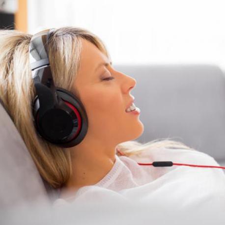 تاثیر گوش کردن به موسیقی بر سلامت بدن