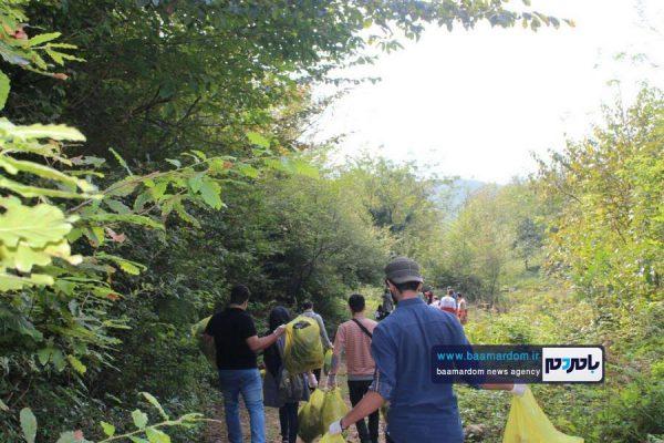 پاکسازی مسیرهای منتهی به بام سبز لاهیجان از زباله 2 600x400 - پاکسازی مسیرهای منتهی به بام سبز لاهیجان از زباله | گزارش تصویری