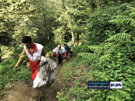 پاکسازی مسیرهای منتهی به بام سبز لاهیجان از زباله 21 533x400 - پاکسازی مسیرهای منتهی به بام سبز لاهیجان از زباله | گزارش تصویری