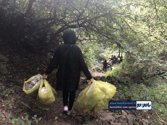 پاکسازی مسیرهای منتهی به بام سبز لاهیجان از زباله 25 533x400 - پاکسازی مسیرهای منتهی به بام سبز لاهیجان از زباله | گزارش تصویری