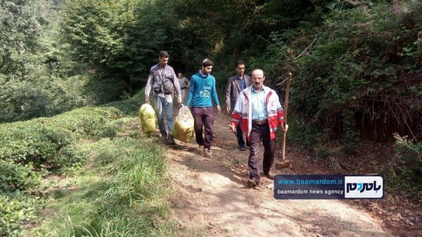 پاکسازی مسیرهای منتهی به بام سبز لاهیجان از زباله 3 600x337 - پاکسازی مسیرهای منتهی به بام سبز لاهیجان از زباله | گزارش تصویری