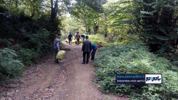 پاکسازی مسیرهای منتهی به بام سبز لاهیجان از زباله 5 600x337 - پاکسازی مسیرهای منتهی به بام سبز لاهیجان از زباله | گزارش تصویری