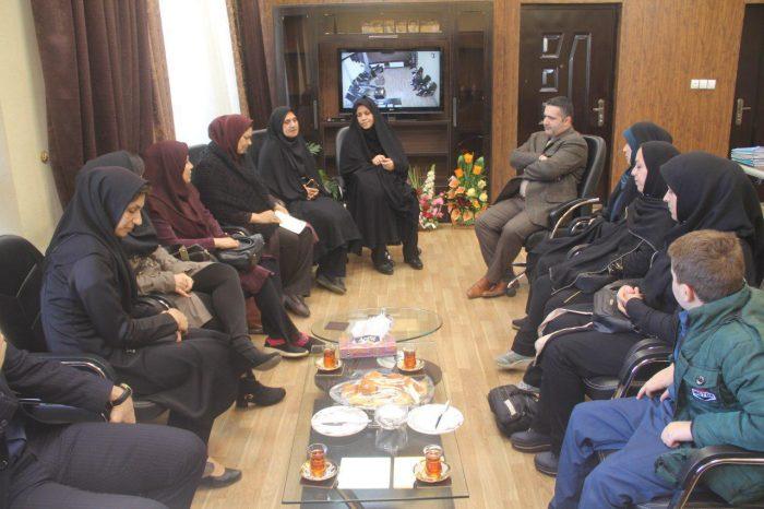 نشست صمیمی شهردار و اعضای شورای شهر لنگرود با مدیر عامل موسسه خیریه جمعیت همیاران سلامت و روان