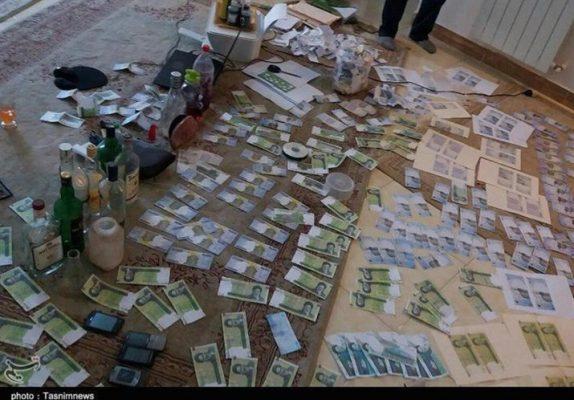 باند چاپ اسکناس در رشت 1 715x498 574x400 - اعضای باند چاپ اسکناس در رشت شناسایی و دستگیر شدند   تصاویر