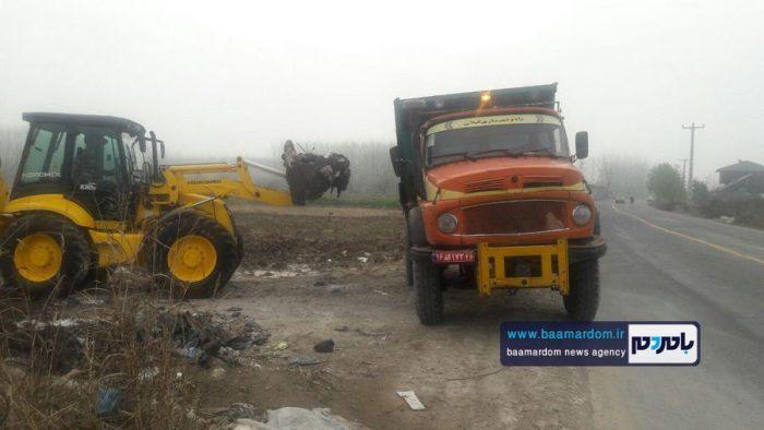 جمعآوری زبالههای تخلیه شده در جادههای روستایی آستانهاشرفیه در کمترین زمان + تصاویر